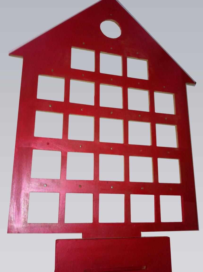 calendrier de l 39 avent maison en carton et boules transparentes. Black Bedroom Furniture Sets. Home Design Ideas